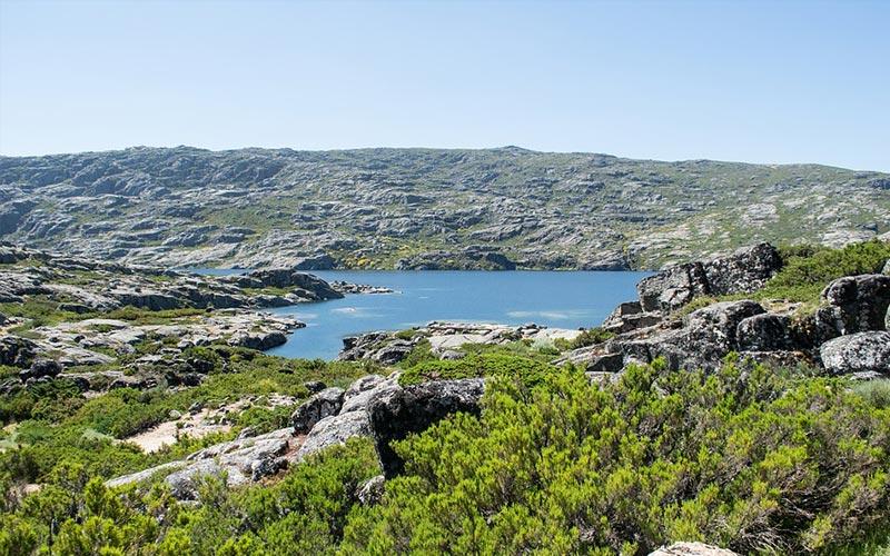Serra da Estrela được biết đến là ngọn núi lớn thứ hai ở Portugal